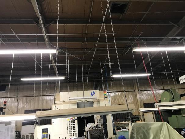 工場内の照明工事、既設照明移設、スライドスイッチ交換、エアホース交換